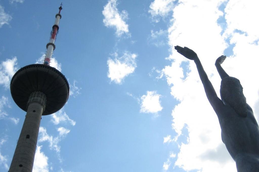 Изображение ТВ Башни и памятника