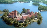 Тракайский замок на в Литве, фото сверху