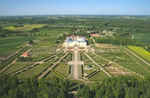 Рундальский дворец - вид сверху