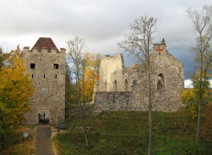 Изображение старого замка Сигулды