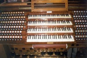 клавиатура органа в домском соборе