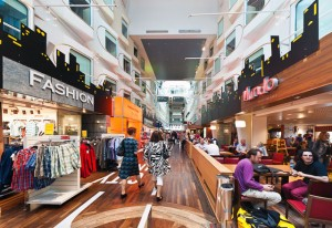 Многочилсенные магазины парома - фото