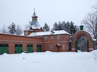 Пюхтицкий женский монастырь зимой