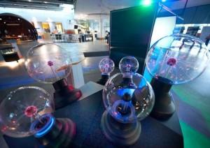 АННАА - Заряженные частицы в камере Вильсона