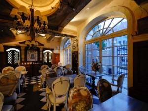 сервировка стола в ресторане Salve